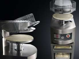 CUPPONE - Hot pizza forming machine - picture1' - Click to enlarge