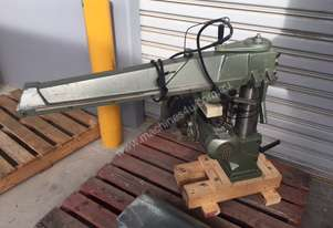 Radial saw without table or floor stand. Excellent value