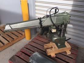 Radial saw without table or floor stand. Excellent value - picture0' - Click to enlarge