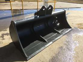 Mud Bucket 1500mm Bucket-GP Attachments - picture0' - Click to enlarge