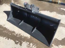 Mud Bucket 1500mm Bucket-GP Attachments - picture1' - Click to enlarge