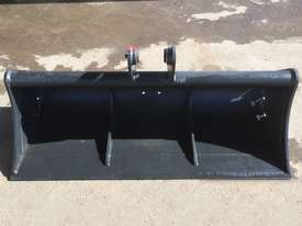 Mud Bucket 1500mm Bucket-GP Attachments - picture2' - Click to enlarge