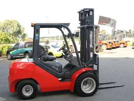 3T Diesel or LPG Forklift, 4.5m 3 stage mast, side shift, solid tyres. Rent to Own available - picture0' - Click to enlarge