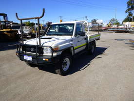 2010 Toyota Landcruiser Workmate (VDJ79R) V8 4x4 Tray Back Utility - In Auction - picture0' - Click to enlarge