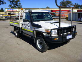 2010 Toyota Landcruiser Workmate (VDJ79R) V8 4x4 Tray Back Utility - In Auction - picture2' - Click to enlarge