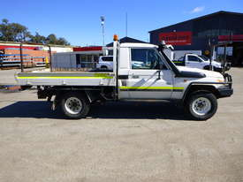 2010 Toyota Landcruiser Workmate (VDJ79R) V8 4x4 Tray Back Utility - In Auction - picture3' - Click to enlarge