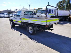 2010 Toyota Landcruiser Workmate (VDJ79R) V8 4x4 Tray Back Utility - In Auction - picture6' - Click to enlarge