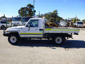 2010 Toyota Landcruiser Workmate (VDJ79R) V8 4x4 Tray Back Utility - In Auction - picture7' - Click to enlarge