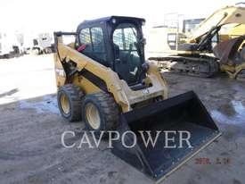 CATERPILLAR 242D Skid Steer Loaders - picture0' - Click to enlarge