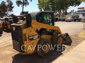 CATERPILLAR 242D Skid Steer Loaders - picture2' - Click to enlarge