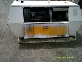 75cfm compair , 4cyl perkins powered , low hours ,  - picture2' - Click to enlarge
