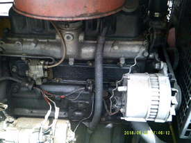 75cfm compair , 4cyl perkins powered , low hours ,  - picture4' - Click to enlarge