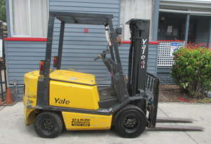 Yale 2 ton Container Mast, Petrol Used Forklift