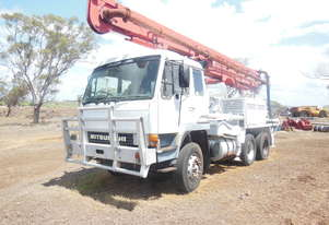Mitsubishi Concrete Truck with pump