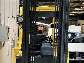 3.5T LPG Counterbalance Forklift - picture1' - Click to enlarge