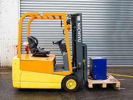 1.5T 3 Wheel Battery Electric Forklift - picture0' - Click to enlarge