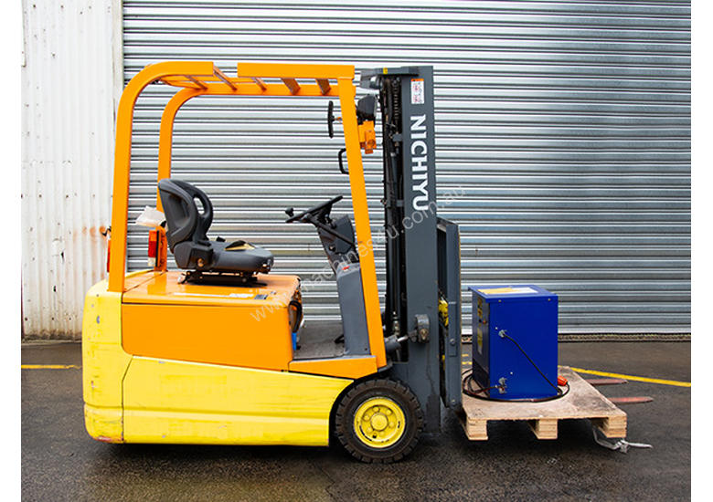 1.5T 3 Wheel Battery Electric Forklift