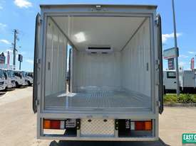 2018 HYUNDAI EX4 SWB Refrigerated Truck Freezer  - picture2' - Click to enlarge
