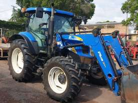 New Holland T6020 Elite Cab tractor with 4in1 loader - picture0' - Click to enlarge