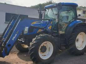 New Holland T6020 Elite Cab tractor with 4in1 loader - picture2' - Click to enlarge