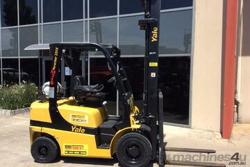 Yale GLP25VX Gas Counterbalance Forklift with Side shift & 4th valve