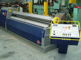 1st Quality MG Italian 3 and 4 Roll Machines  - picture7' - Click to enlarge