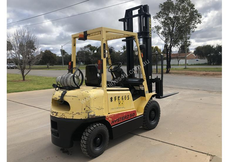 Hyster H2.50DX - 2.5 Ton LPG - 4300mm 2 Stage Mast