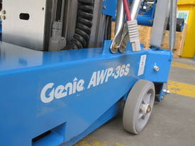 Genie AWP30s AC Arial Work Platform - picture2' - Click to enlarge