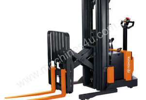 Raymond Walkie Reach RRS30 Stacker Forklift