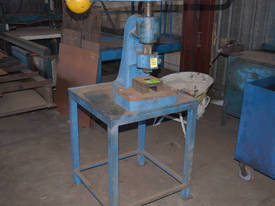 John HEINE screw fly press on stand - picture0' - Click to enlarge