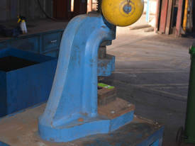John HEINE screw fly press on stand - picture1' - Click to enlarge