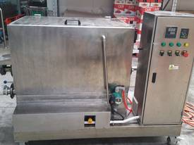 200 Litre Holding Tank with Mixer and Weter Jacket