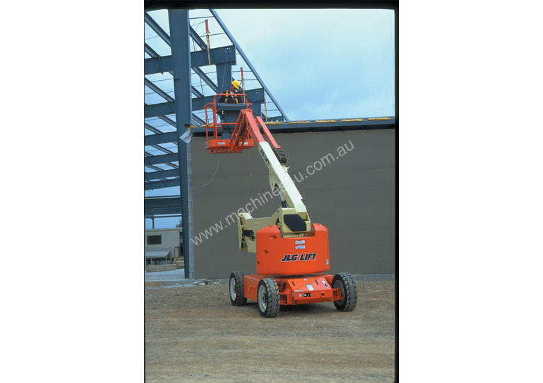 JLG M450AJ Electric Boom Lift