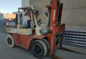 Nissan 7 Tonne LPG Forklift Container Mast Low Hours