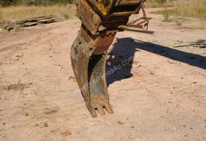 300mm trenching bucket to suit 20 ton excavator