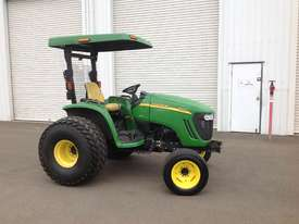 John Deere 4720 Tractor 4WD eHydro - picture0' - Click to enlarge
