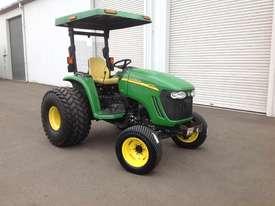 John Deere 4720 Tractor 4WD eHydro - picture2' - Click to enlarge