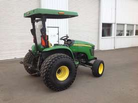 John Deere 4720 Tractor 4WD eHydro - picture3' - Click to enlarge
