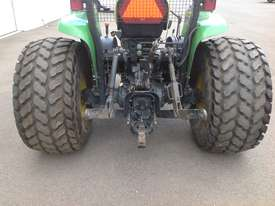 John Deere 4720 Tractor 4WD eHydro - picture5' - Click to enlarge
