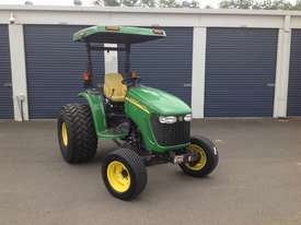 John Deere 4720 Tractor 4WD eHydro - picture7' - Click to enlarge