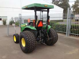 John Deere 4720 Tractor 4WD eHydro - picture9' - Click to enlarge