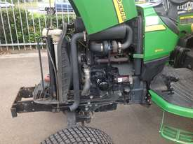 John Deere 4720 Tractor 4WD eHydro - picture11' - Click to enlarge