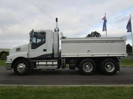Iveco Powerstar 450 Tipper Truck - picture3' - Click to enlarge