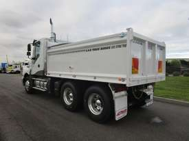 Iveco Powerstar 450 Tipper Truck - picture4' - Click to enlarge