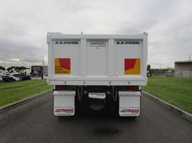 Iveco Powerstar 450 Tipper Truck - picture5' - Click to enlarge