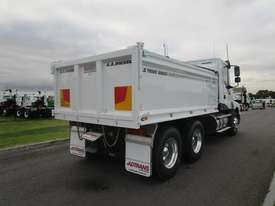 Iveco Powerstar 450 Tipper Truck - picture7' - Click to enlarge