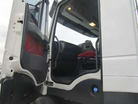Iveco Powerstar 450 Tipper Truck - picture13' - Click to enlarge