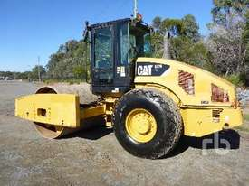 CATERPILLAR CS76 Vibratory Roller - picture1' - Click to enlarge