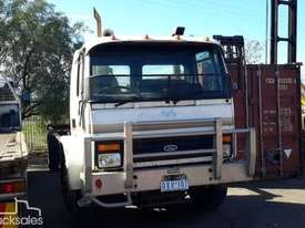 Ford Cargo 1518 Cab chassis Truck - picture1' - Click to enlarge