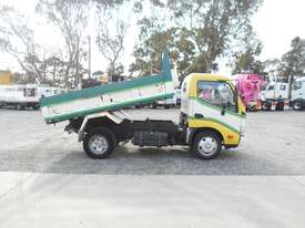 Hino 616 - 300 Series Tipper Truck - picture9' - Click to enlarge